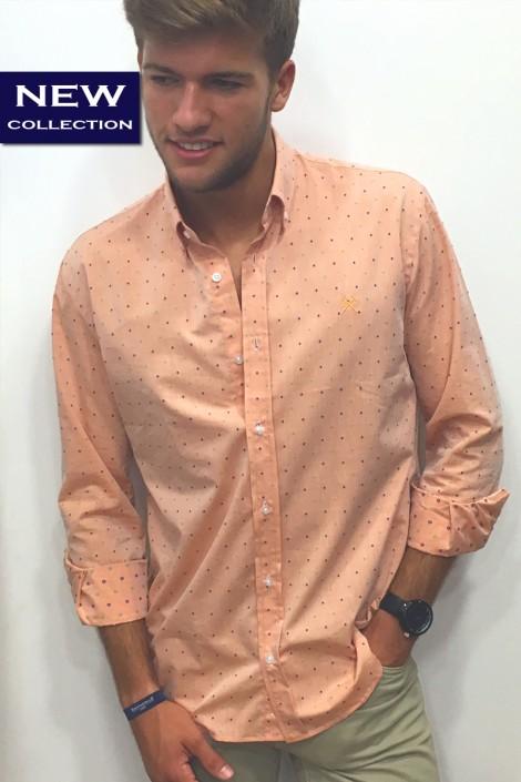 Camisa naranja rombitos
