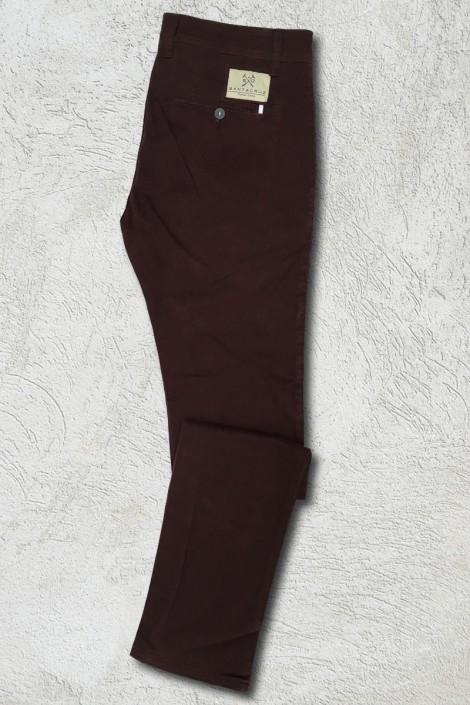 Pantalon chino burdeos